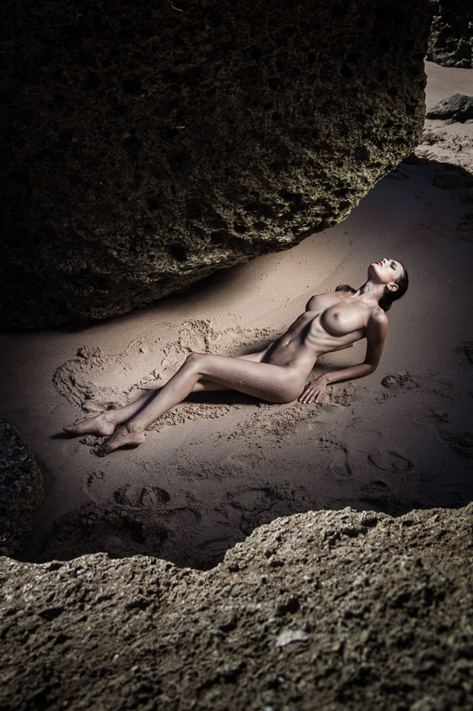 Fine Art Nude photography by thorsten jankowski on a beach in Spain